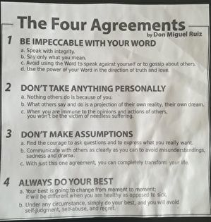 英文の四つの約束。紙がくしゃくしゃで古びている。