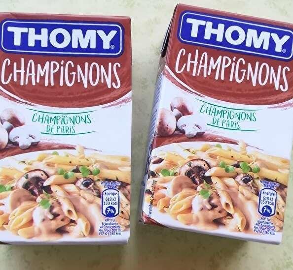 トミーのきのこパスタソースのパックが2個。