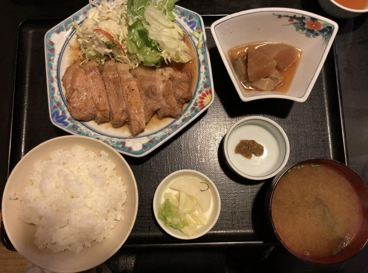 福泉の生姜焼き定食