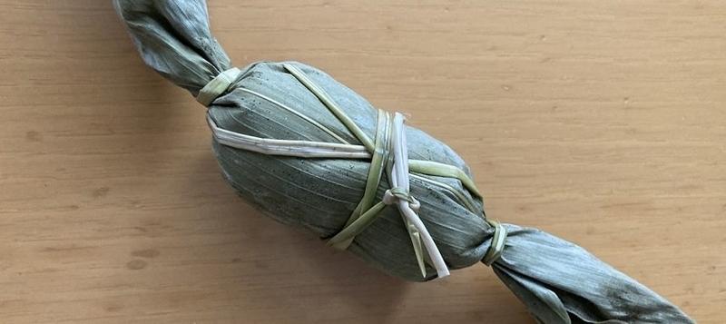 かめや米納津店で購入した笹団子の見た目を撮影した写真