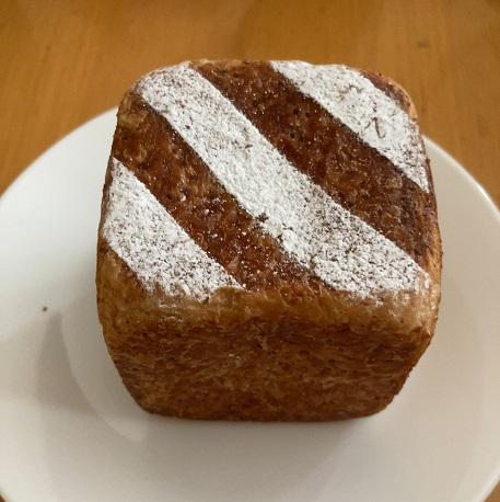 アルモニエのパン「フロマージュ・キューブ」の見た目