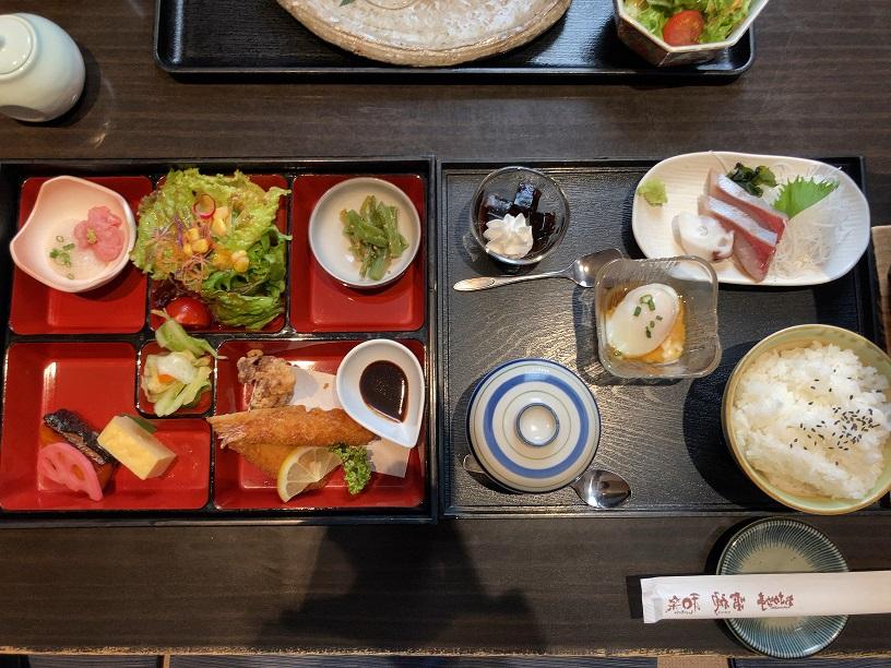 雷神県央店で一番人気の「雷神ランチ」
