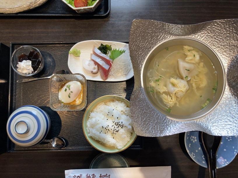 雷神県央店で一番人気の「雷神ランチ」2