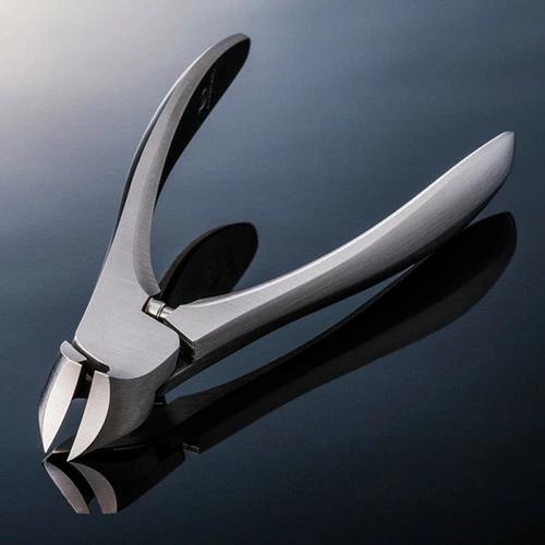 燕三条産おすすめの金物①SUWADAの爪切り
