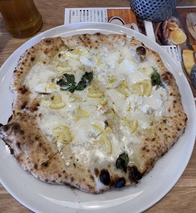 FOOD&FLOWER Fun!のピザ