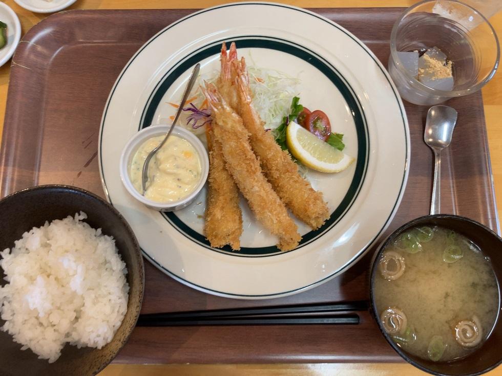 キママニ食堂のエビフライ定食