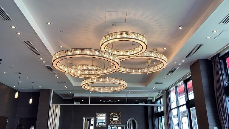 イングリッシュガーデンホテルレアントのレストランの内観