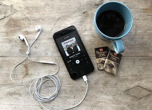 疲れ目対策④聴く娯楽を楽しむ