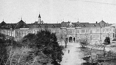 お殿様の図書館 「旧徳川頼倫邸」 - 日本のすばらしい建築物