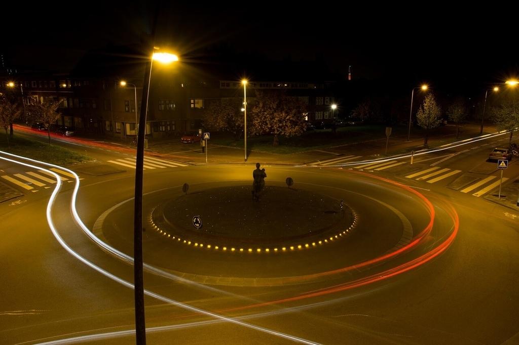 ロータリー交差点イメージ画像