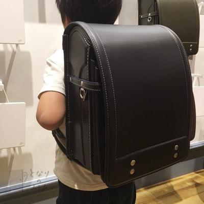着用写真:土屋鞄アトリエモデル