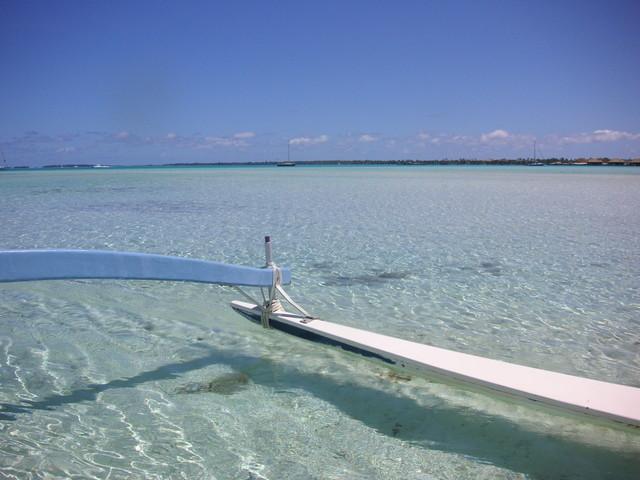 タヒチ ボラボラ島 アウトリガーカヌー