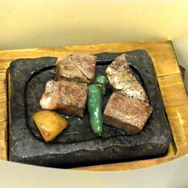 国産牛ヒレステーキ溶岩焼き