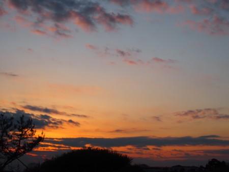 夕日が目に染みる