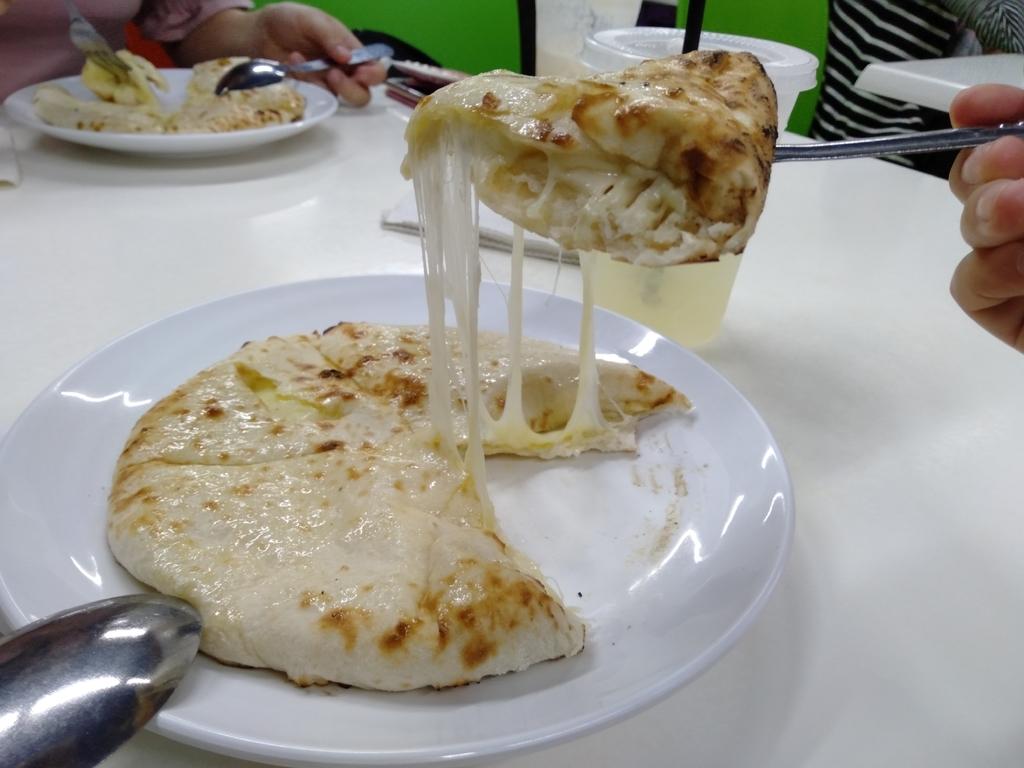 チーズナンの写真2