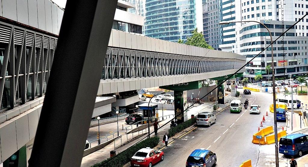 歩行者用連結通路の写真