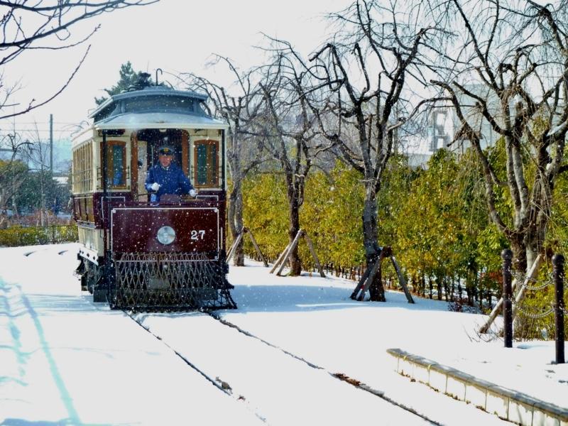 京都新聞写真コンテスト ちんちん電車、吹雪を走る