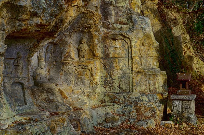 岩谷観音の磨崖仏