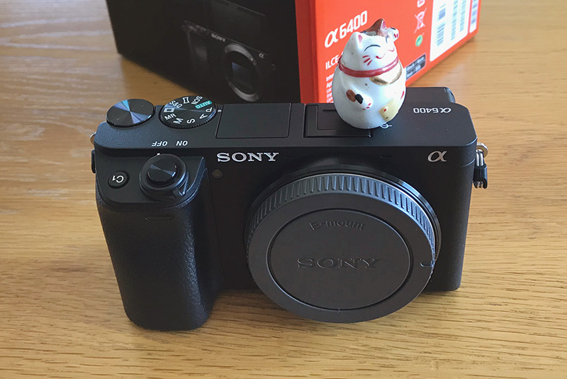 ミラーレスカメラ α6400
