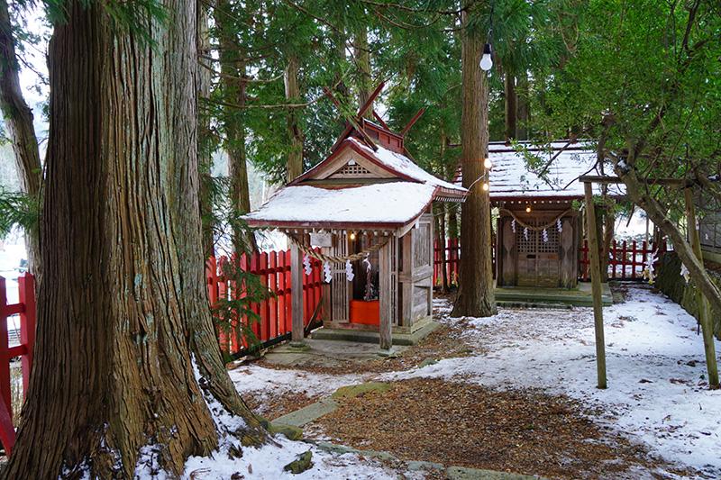 志波古稲荷神社の社