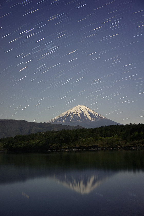 富士山と昇るさそり座