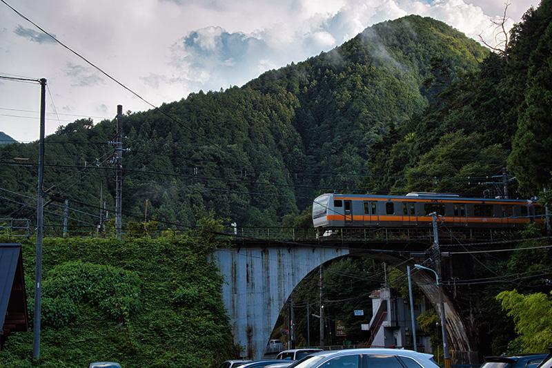 青梅線の電車