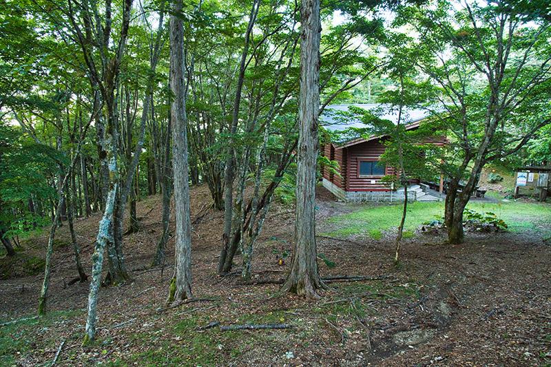 鷹ノ巣山避難小屋