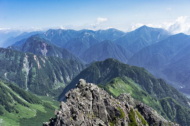 前穂高岳から常念岳方面