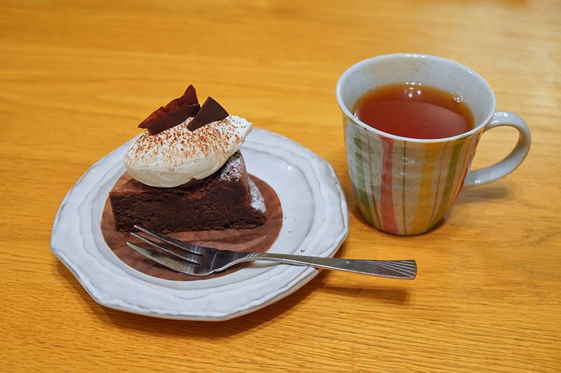 お茶とケーキ