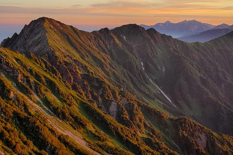 モルゲンロートの赤沢岳