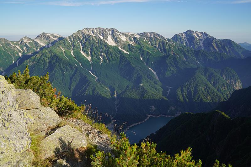 劔・立山連峰と黒部湖