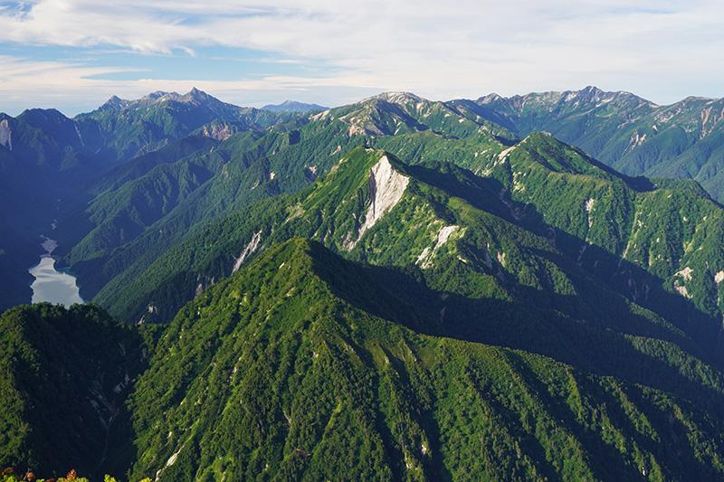 高瀬湖と裏銀座の山々