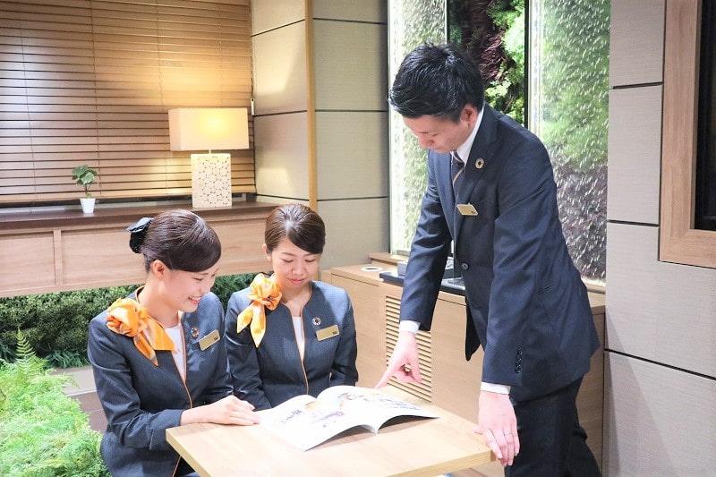ホテル スタッフ育成