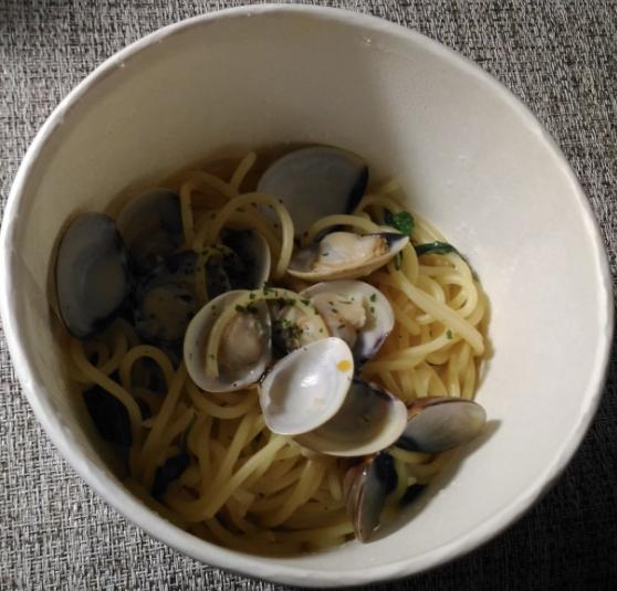 統一時代百貨のGUGU廚房義式料理のアサリのパスタ