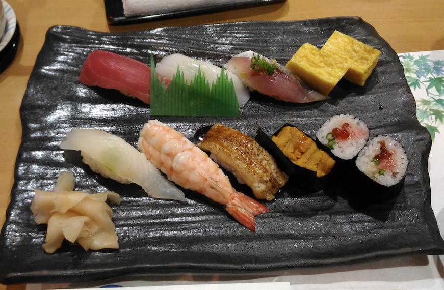 宮崎空港内にある「鮨処 わたつみ」の寿司