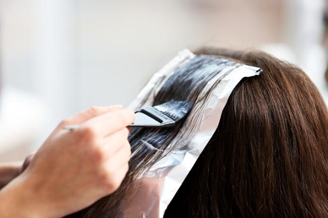 白髪が目立たないカラーリング方法とは?