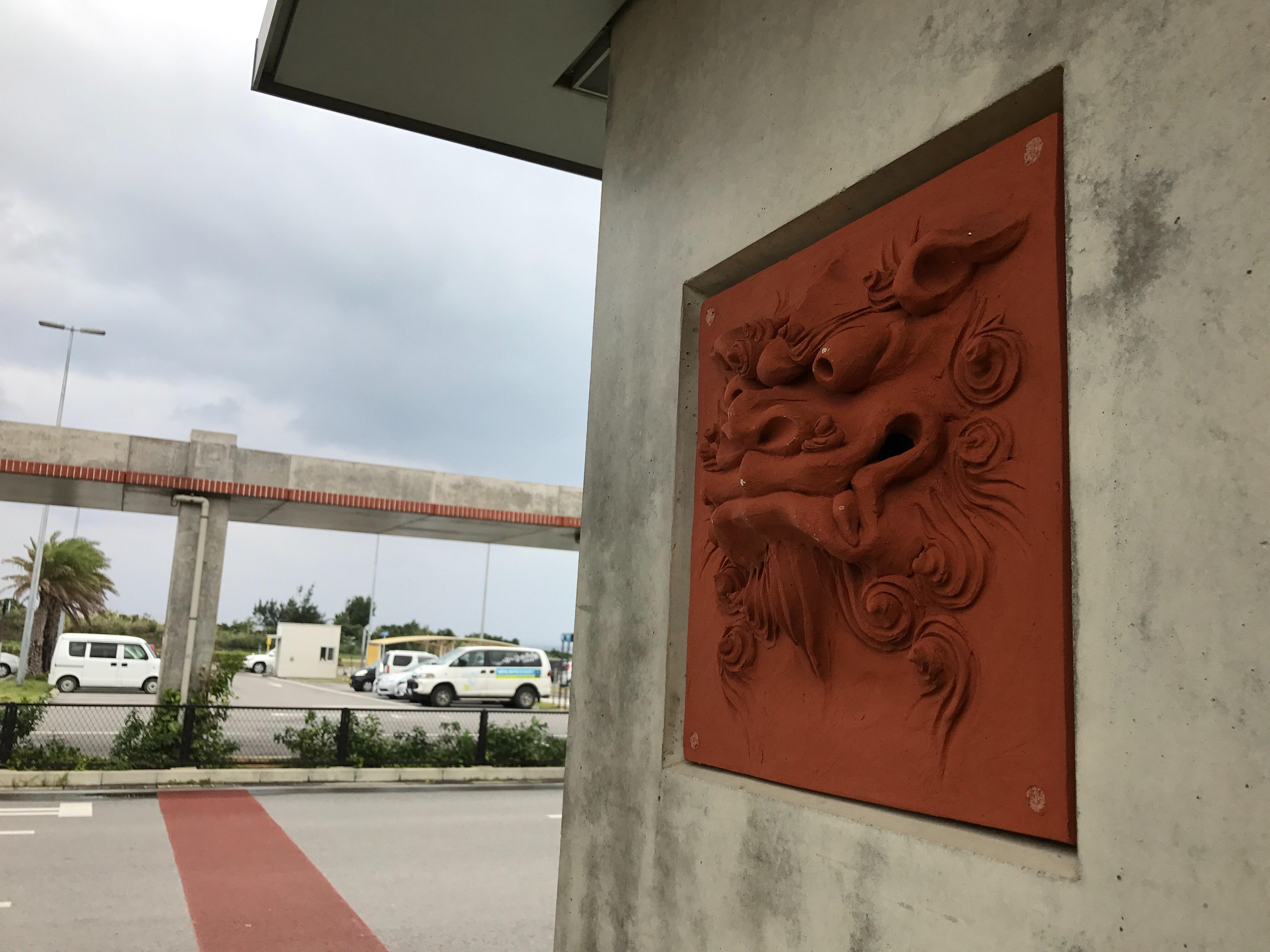 新石垣空港のバス乗り場
