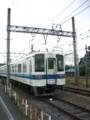 線路上で待機する東武鉄道8000系