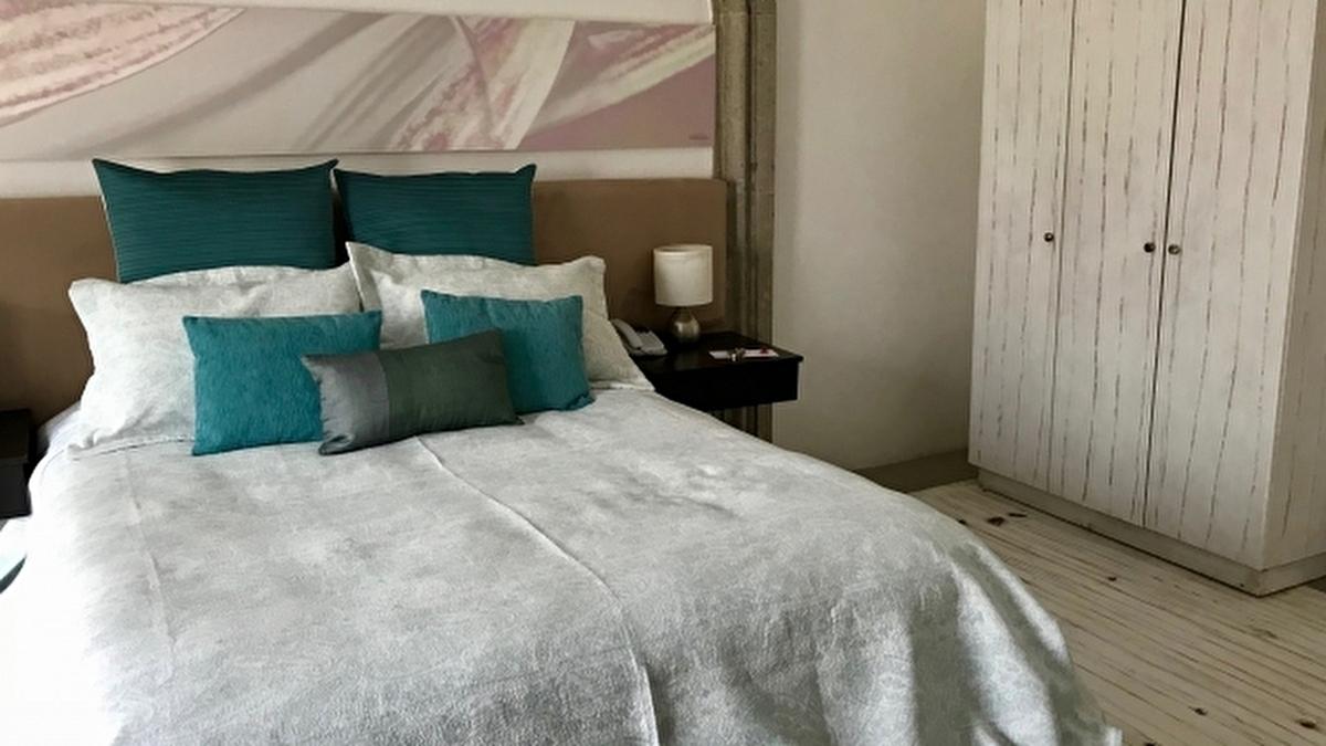 アメリカのアパートの寝室