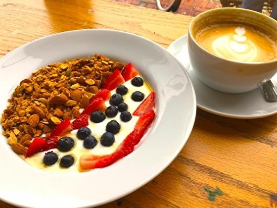 アメリカ朝食 オートミールとブルーベリー