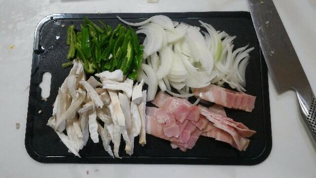 マルちゃん 塩焼きそば カルボナーラ レシピ
