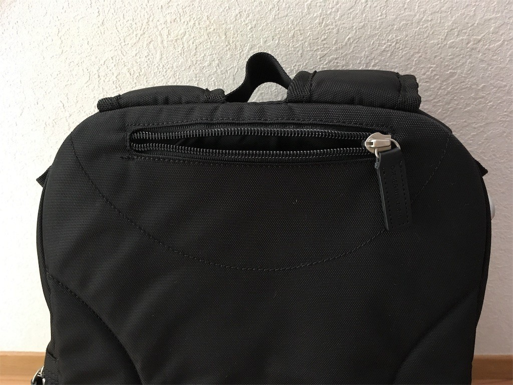 マリメッコ リュック 隠しポケット