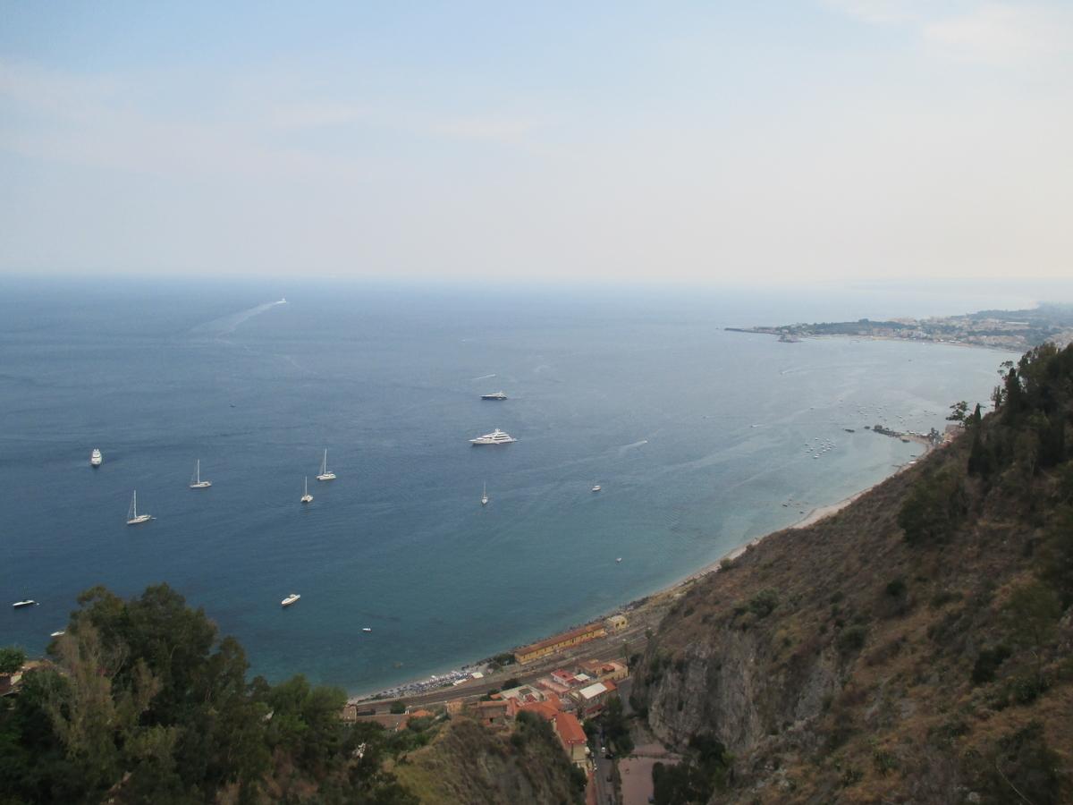 タオルミナ 海を臨む