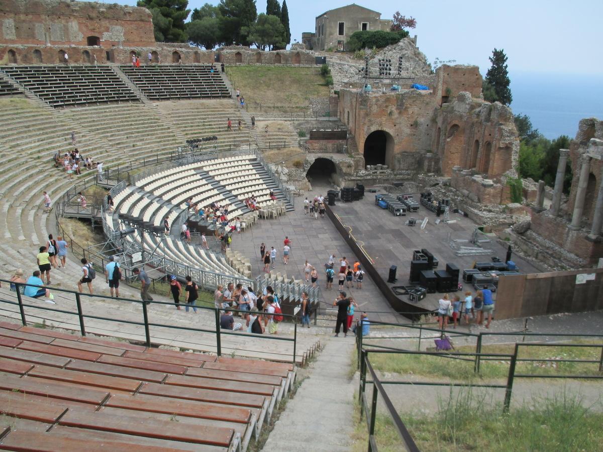 タオルミナ 円形劇場