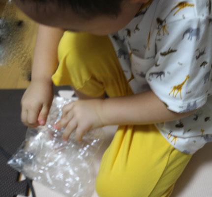 3歳 ペットボトル遊び