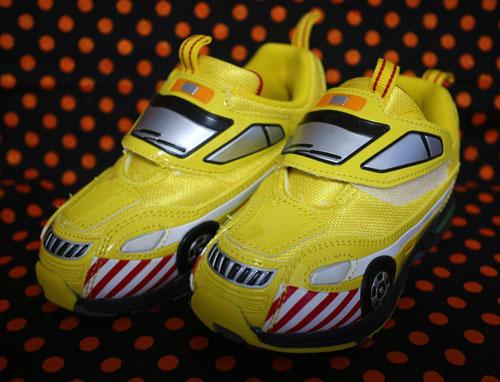 トミカの光る靴