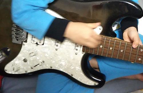趣味はギター?なんつって