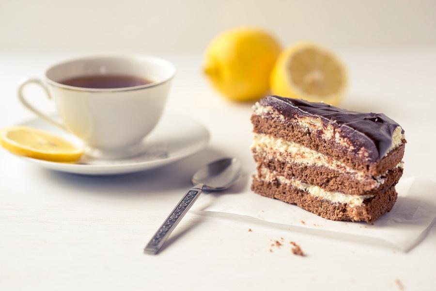 チョコレートケーキ,紅茶
