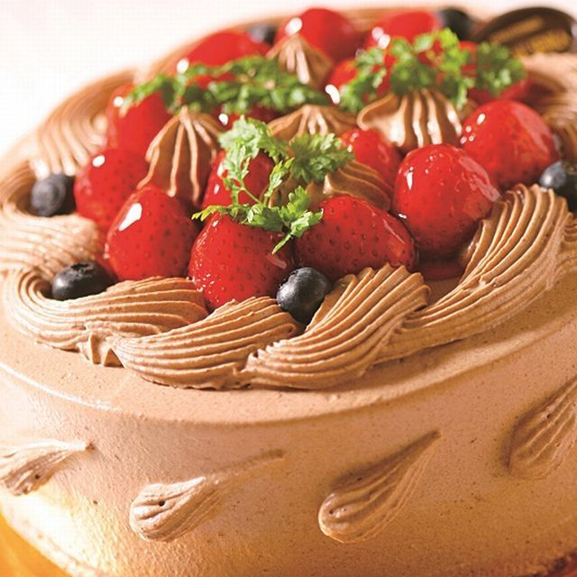 苺生チョコクリームデコレーション