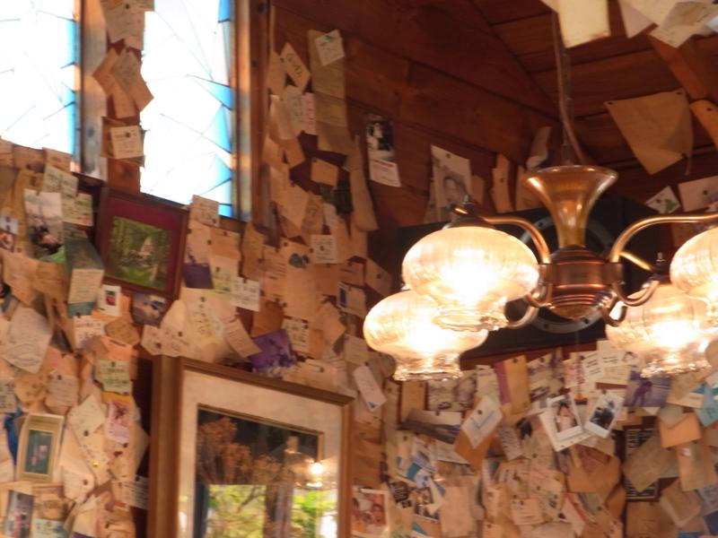 切符が壁の喫茶店